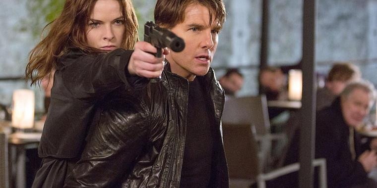 "Rebecca Ferguson und Tom Cruise bekämpfen in ""Mission: Impossible – Rogue Nation"" die Bösewichte. Foto: Paramount"