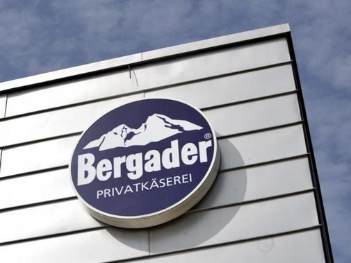 Das Logo der Privatkäserei Bergader in Waging am See.