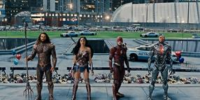 Die Kraft des Kollektivs versagt: Aquaman (Jason Momoa), Wonder Woman (Gal Gadot), The Flash (Ezra Miller) und Cyborg (Ray Fisher).