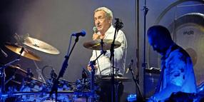 Jetzt ist er auch mit Pink-Floyd-Songs unterwegs: Nick Mason bei einem Konzert mit seiner Band Saucerful of Secrets am 13. September 2018 in der Hamburger Laeiszhalle.