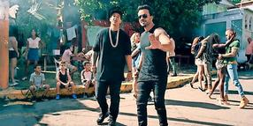 "Das Duo Luis Fonsi feat. Daddy Yankee performt ""Despacito"". Youtube"