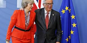 Jean-Claude Juncker und Theresa May.