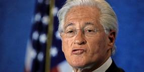 Der Anwalt von US-Präsident Donald Trump, Marc Kasowitz, bei seinem Statement im National Press Club in Washington.